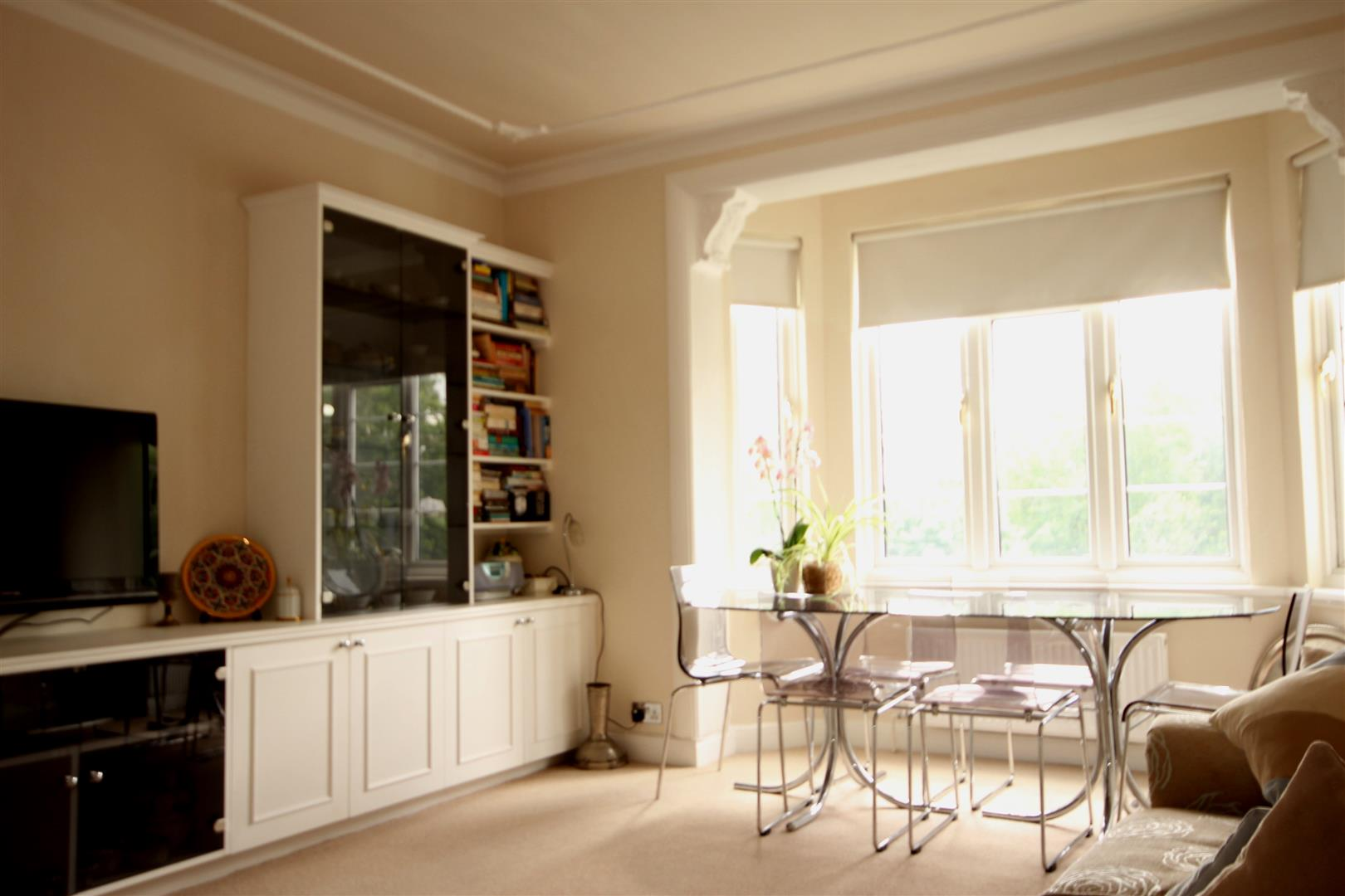 2 Bedrooms Apartment Flat for sale in Shoot Up Hill, London